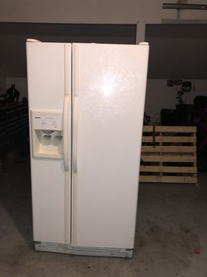 Kenmore side by side refrigerator for Sale in Ashburn, VA