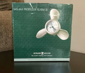 Howard Miller Propeller Clock! Very Unique!! Brand New!! (PENDING PICK UP!) for Sale in Hanover Park, IL