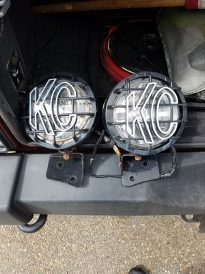 KC HiLites 121 SlimLite with KC windshield mounts from 2010 JK for Sale in Lynn, MA