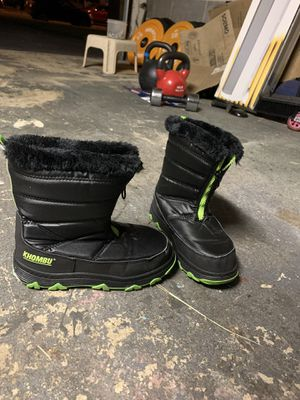 Size 3 kids snow boots by khombu for Sale in Secaucus, NJ