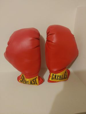 Everlast Laceless Gloves (Red, Small) for Sale in Staten Island, NY