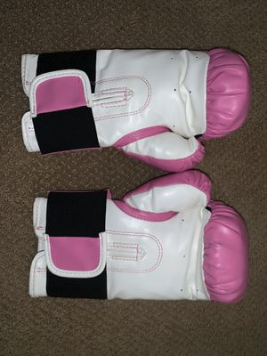 Everlast Pink Boxing Gloves for Sale in Chula Vista, CA