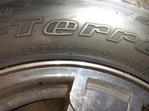 "32"" jeep wheels and tires for Sale in BETHEL, WA"