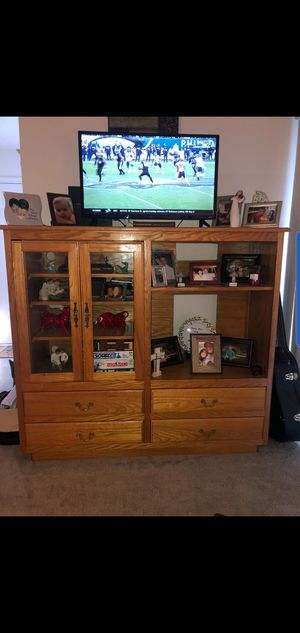 Beautiful Wood TV Entertainment Center/Cabinet for Sale in Chesterfield, VA
