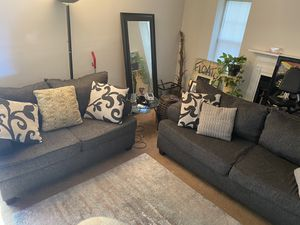 Living Room Set: 1 couch, 1 love seat for Sale in Glenarden, MD