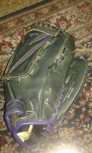 Mizuno softball glove for Sale in Richmond, VA