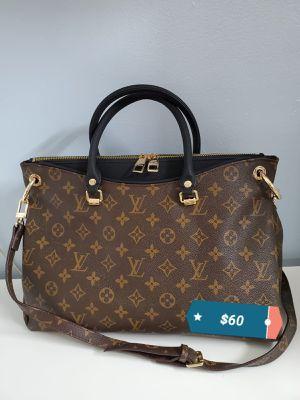 Handbag for Sale in Miami, FL