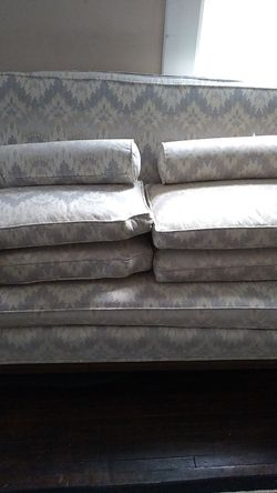 Vintage couch great condition for Sale in Redford Charter Township,  MI