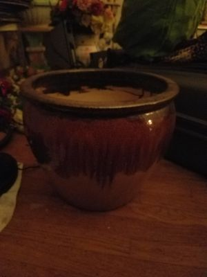 Ceramic pot for Sale in Maple Heights, OH