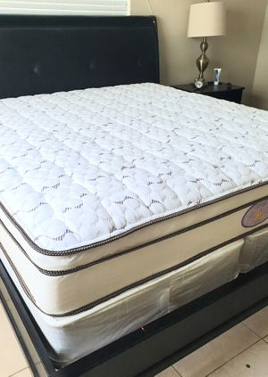 NEW QUEEN MATTRESS PILLOWTOP AND BOX SPRING 2 PC. BED FRAME IS NOT INCLUDED for Sale in West Palm Beach, FL