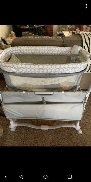 Baby Bassinet for Sale in Ramseur, NC