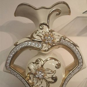 Ceramic Vase ( NEW ) gold & silver for Sale in Holladay, UT