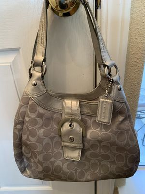 Authentic Women's Signature Coach Purse Handbag Perfect!! for Sale in Fresno, CA