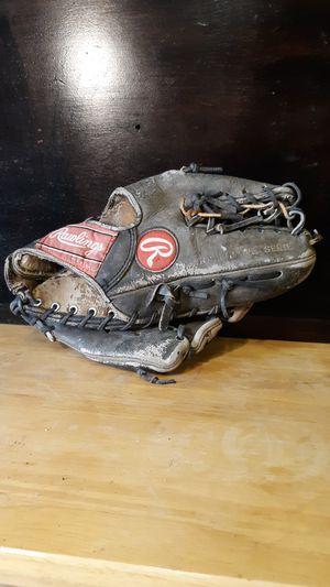 Baseball gloves for Sale in Sanger, CA