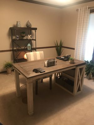 Office furniture for Sale in Allison Park, PA