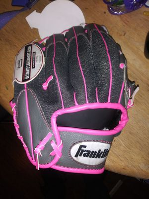 Franklin Girls youth baseball glove for Sale in St. Louis, MO