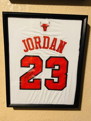 Chicago Bulls Michael Jordan authentic signed jersey autographed rare for Sale in St. Petersburg, FL