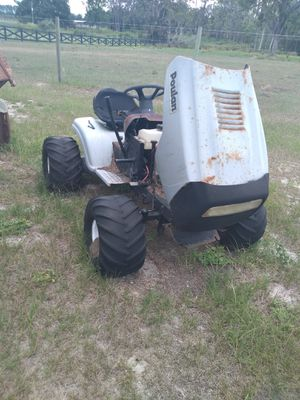 Poulan lawn tractor for Sale in Clermont, FL