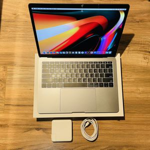 Jan 2018 MacBook Pro 256GB SSD 2.3GHz i5 8GB w/Retina similar to 19 and 2020 better Than Slow Air for Sale in Los Angeles, CA