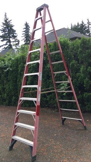 Werner 12' Step Ladder Type 1AA Fiberglass. 375 LB Cap for Sale in Vancouver, WA