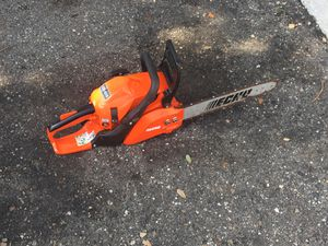 Echo chainsaw can-310 for Sale in Saint Petersburg, FL