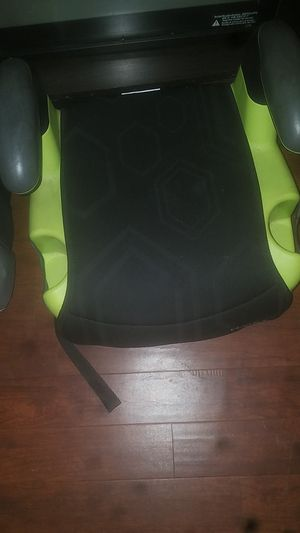 Booster seats for Sale in Springfield, MA