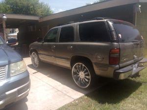 "2002 GMC Yukon run really good sunroof it has really cold AC on 26"" rimes for Sale in San Antonio, TX"