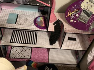 Lol doll house with dolls and accessories for Sale in San Antonio, TX