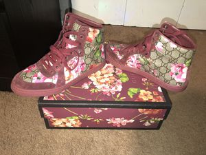 Floral print Gucci high tops for Sale in Brentwood, PA