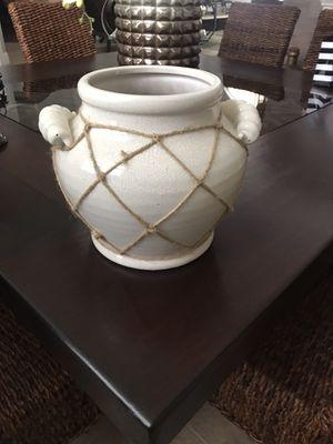 Ceramic pot for Sale in Pembroke Pines, FL