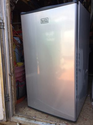 Black-Decker Refrigerator with Freezer for Sale in Fresno, CA