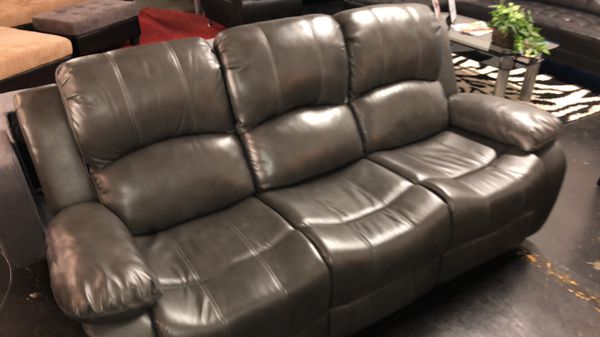 BRAND NEW 2PC SOFA LOVESEAT COMBO RECLINING SET - GRAY AND BLACK WITH FOLD DOWN DRINK TABLE AND CONSOLE IN GRAY OR BLACK