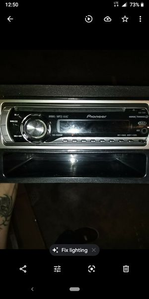 Pioneer flip down detachable face cd/mp3 aux syereo for Sale in Fresno, CA