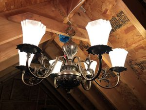 Antique 6 light chandelier. for Sale in Youngsville, NC