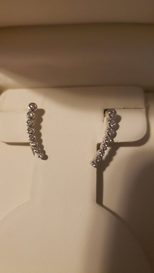 Diamond earrings from Jared. for Sale in Gladstone, OR
