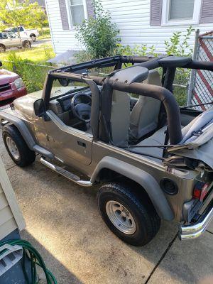Jeep Wrangler 2003 estándar tituló limpio 4 silindros for Sale in Greenbelt, MD