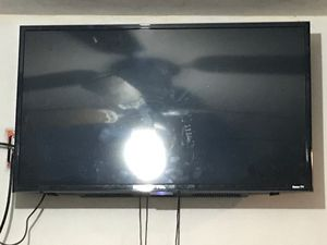 TCL ROKU SMART TV 32in for Sale in Ocean Township, NJ