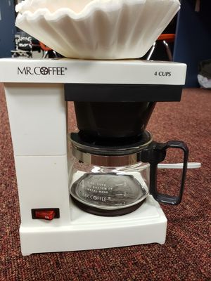 White Mr Coffee Pot Maker & 4 Cup Metal Pot (Coffee Stains) for Sale in Jacksonville, FL