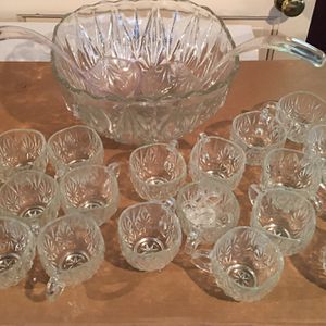 FIRM PRICE- Beautiful huge glass punch bowl for any occasion and comes with 19 cups and 2 serving spoons for Sale in Chicago, IL