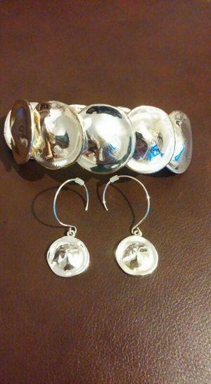 ***NEW*** Anne Klein Bracelet & Earring Set for Sale in Pittsburgh, PA