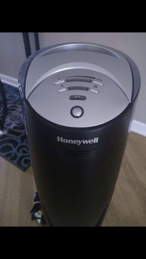 Honeywell quiet humidifier $40 for Sale in Itasca, IL