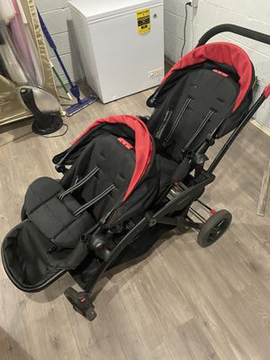 Double stroller for Sale in Bingham Farms, MI