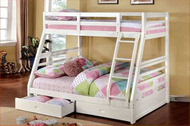 White Full/ Twin Bunkbed(Drawers Included) - with Mattress for Sale in Chula Vista,  CA