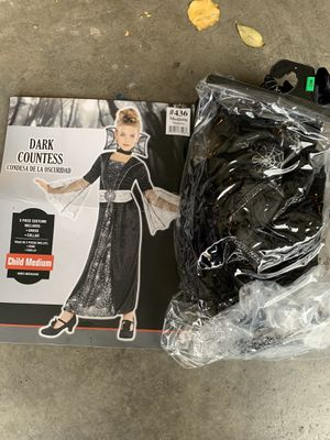 Girls costume size medium for Sale in Brentwood, CA