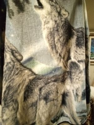 Fleece howling wolves blanket for Sale in San Angelo, TX