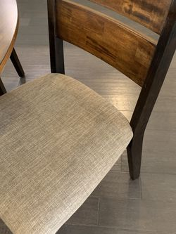 Table + 4 Chairs for Sale in Grapevine,  TX