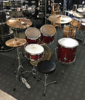 Mapex Pro M drum set complete with hardware & cymbals for Sale in Bellevue, WA