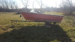 Boat and trailer for Sale in Detroit, MI