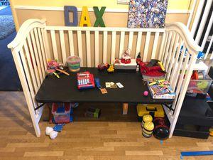 Kids Desk or Bed for Sale in Pomona, CA