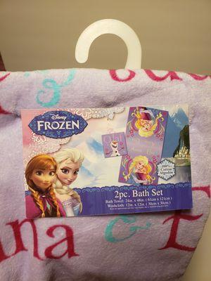 Disney Frozen 2pc. Bath Towel Set for Sale in Elk Grove, CA
